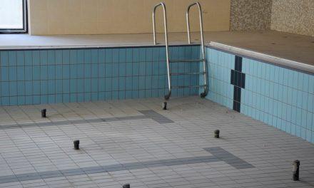 Helyszíni bejárás a fürdőben