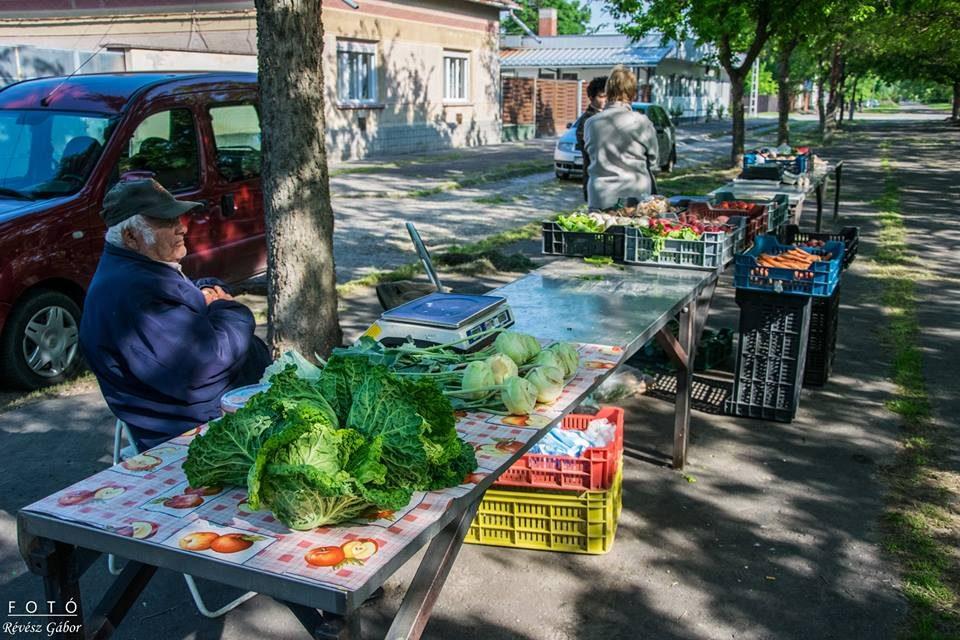 Megnyílt a Petőfi utcai árusítóhely