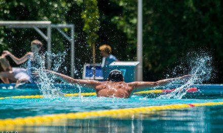 Senior úszóverseny