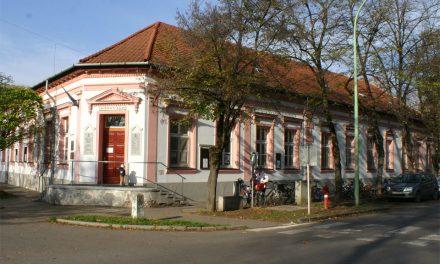 Nyári zárva tartás a könyvtárban