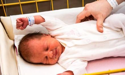 Gratuláció az első csongrádi újszülöttnek