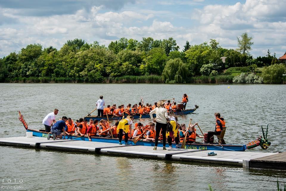 Sárkányhajóversenyek a Holt-Tiszán