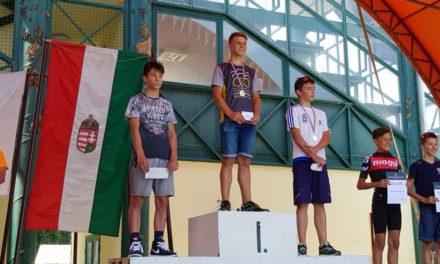 Triatlon érmek Fadd-Domboriból