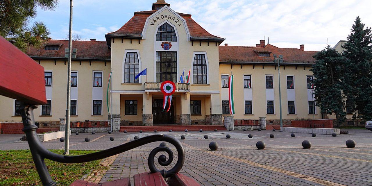 Csongrád Város Helyi Operatív Törzse ajánlása alapján az alábbi döntéseket hozom