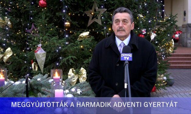 Gyovai Gáspár alpolgármester gyújtotta meg a harmadik gyertyát Csongrád adventi koszorúján